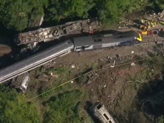 Tren descarrilado en Escocia y herido