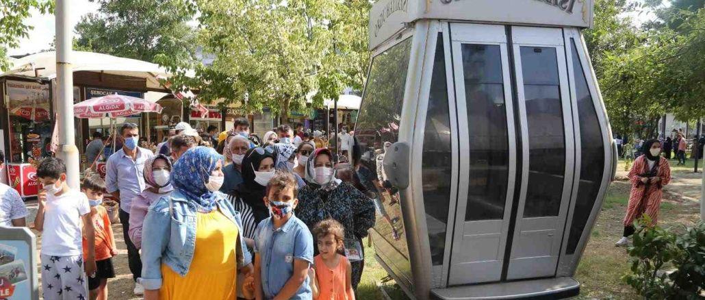 Le téléphérique de l'armée de Boztepe a transporté un millier de passagers en fête