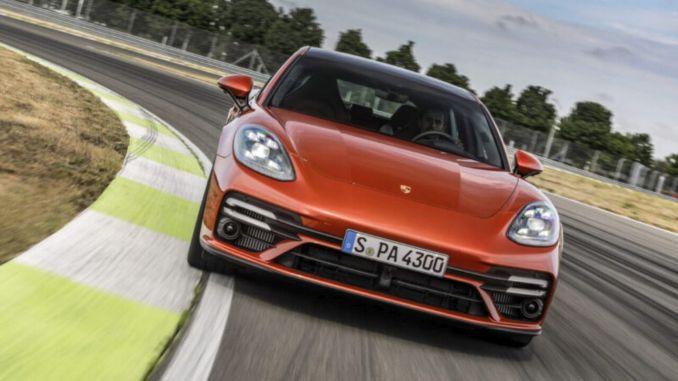 Porsche's four-door sports model Panamera has been renewed