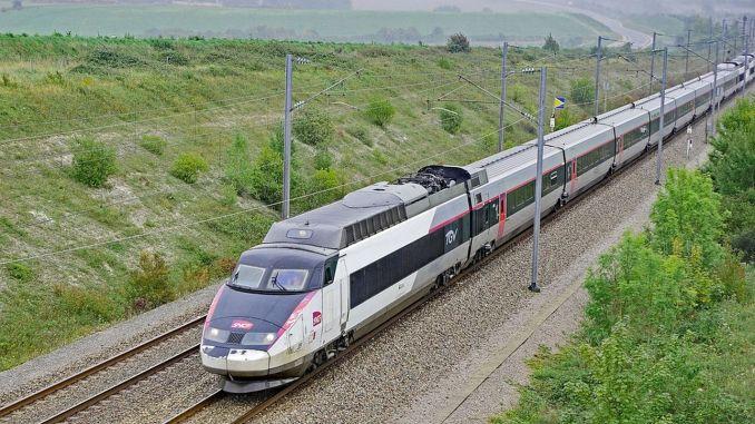 تحطم نظام قطار فائق السرعة في فرنسا!