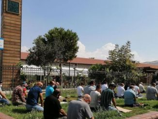 El vagón blanco reliquia de Ataturk desapareció en lugar de la mezquita al aire libre