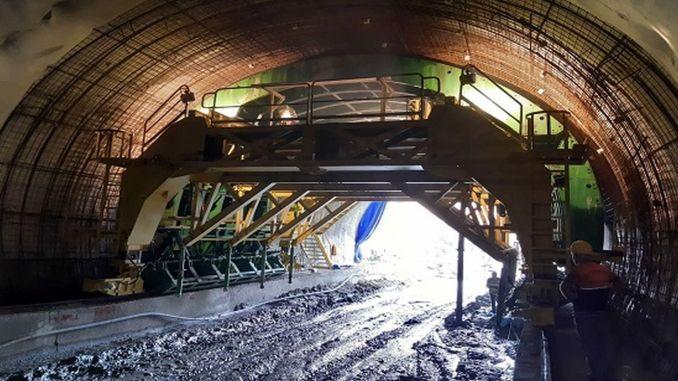 Minister Karaismailoğlu undersøgte Salarha-tunnelen