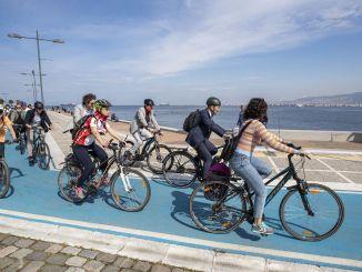 Izmir viajará en bicicleta, correrá y usará el transporte público