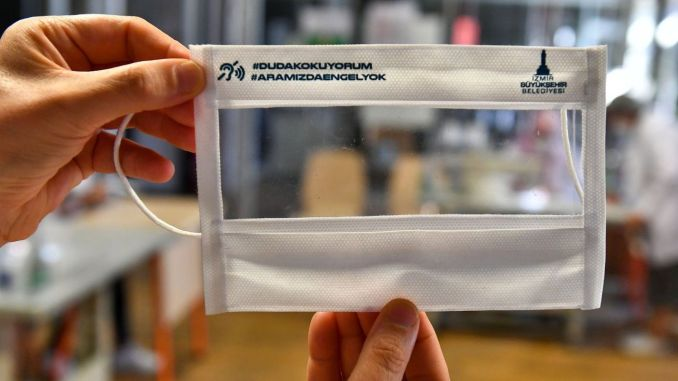 Transparent Masks are Produced for the Hearing Impaired in İzmir