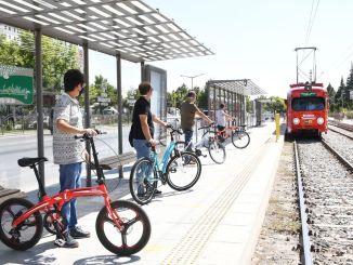 תקופת הרכבת החשמלית והאוטובוס עם מכשירי אופניים מתחילה בקוניה