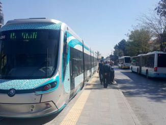 محطات الحافلات في الحرم الجامعي رحلات الترام في قونية تتوقف لفترة قصيرة!