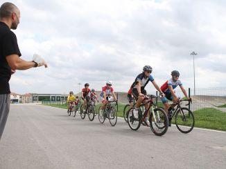 הדרכת נהיגה בטוחה לרוכבי אופניים קטנים