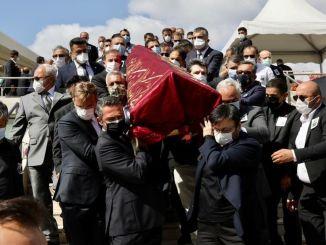 Suna Kıraç lades ut på hennes sista resa