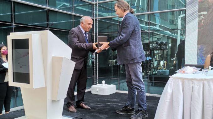 TMMOBからHaydarpaşa連帯に代わってBTSのBektaş会長に贈られる賞