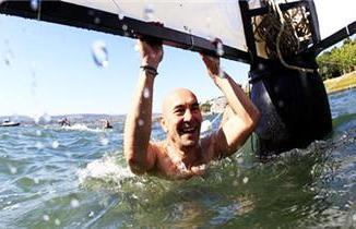 Тунц Соиер: Очистићемо залив од Конака KarşıyakaДопливаћу до