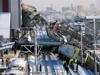 Espesyal nga Celse ngadto sa Bürokrata sa YHT Crash sa Ankara