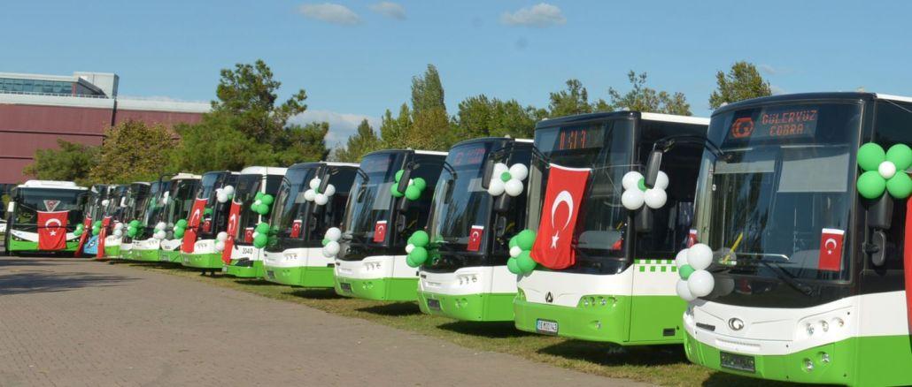 Bursa'da Toplu Ulaşımda Bayrağa Saygı Uygulaması