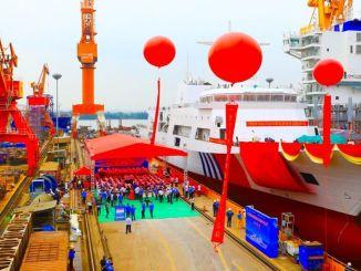 Hiina suurim patrulllaev Haixun 09, vette lastud