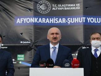 Karaismailoğlu onderzoekt de bouwplaats Afyon Şuhut en de historische Kırkgöz-brug