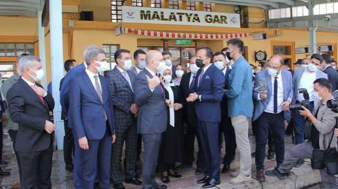 Karaismailoğluสอบสวนในสนามสถานี Malatya