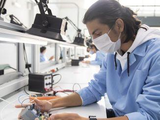 Professional Competence Certificate kan nu in 6 verschillende talen worden uitgegeven