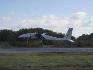 Akıncı TİHA realizó con éxito un aterrizaje y despegue totalmente autónomos