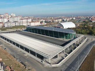 Terminal bus antarkota Altinordu dihitung sebagai hari-hari singkat untuk keadaan darurat