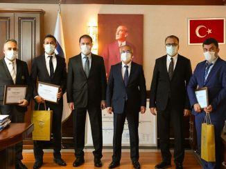 Грамота за благодарност за чист въздух в метрото в Анкара