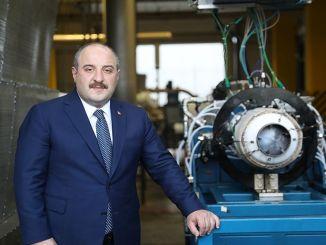 Menteri menguji mesin domestik varank som dan rudal elang ktj
