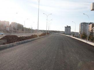 kruispunttrappen met een snelle opening van de stroombrug een voor een