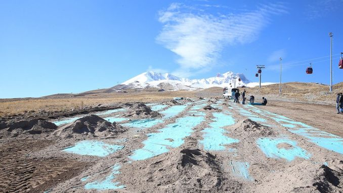 The seed carpet was laid against erosion on the erciyes mountain