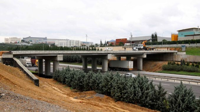Works on the project to reduce the traffic density between gebze and osb