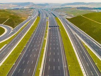 Sygnatura autostrady Aydin Denizli, której budowa została raz przełożona
