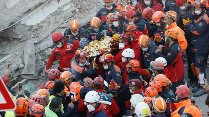 Earthquake Miracle! İdil Şirin was rescued after 58 hours in İzmir, and Elif Perinçek was rescued after 65 hours