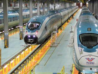 Diplomanti železniških sistemov čakajo na sestanek