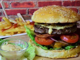 По мере того как западная диета увеличивается, растет и рак желудка.