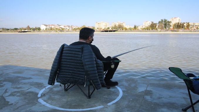 Social distance circle for amator fishermen in bogacay
