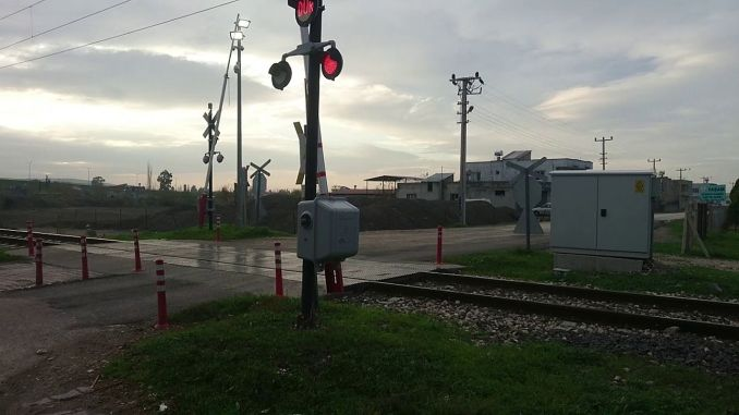 Automatic barrier camera and mustache installation at level crossings
