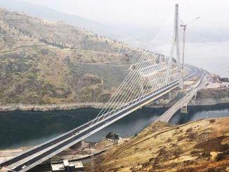 Komurhanin silta laskee päiviä hätätilanteita varten