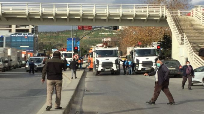 The road cut by the pendik municipality was opened by the police