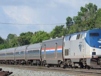 đường sắt amtrak kết nối chúng tôi