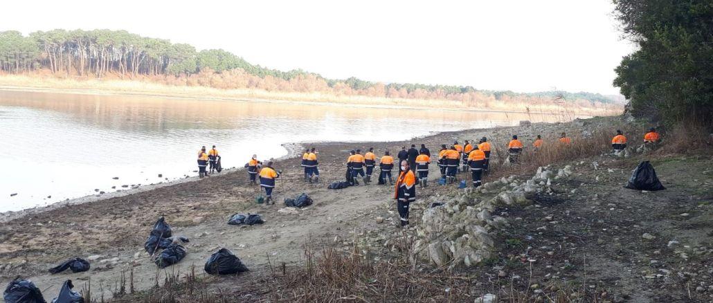 tone de deșeuri de la baraje din Istanbul