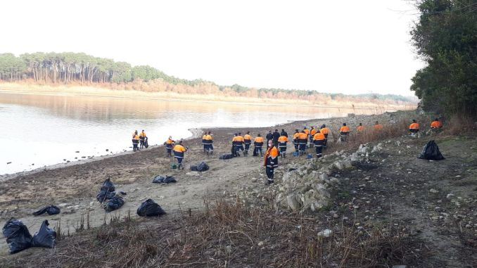 tons of waste from dams in Istanbul