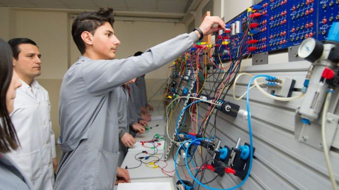 Resource support for schools in the school project in vocational education