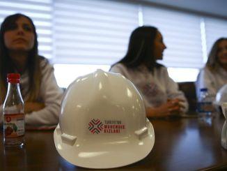 turkiyenin ingeniør piger er ved at indhente uddannelse og beskæftigelsesstøtte