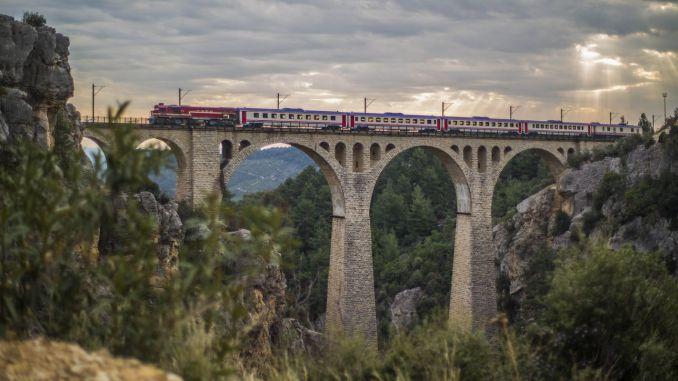 Varda Bridge