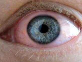 uważaj na silne przyciąganie wzroku