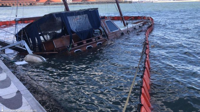 Severe wind affected life negatively in Izmir