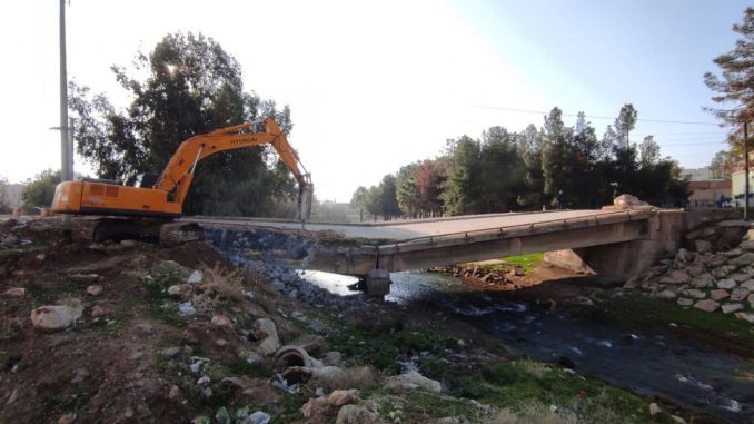 The construction of two bridges, which were destroyed in the nusayb, started