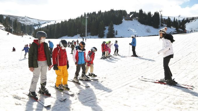 kids with army had fun with free ski training