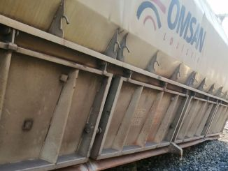 The freight train belonging to a private company went off the road while entering the ayran station