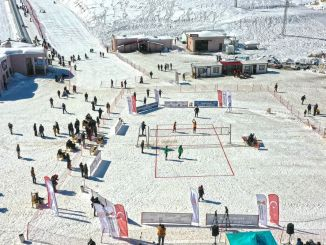 Snow volleyball tournament was held at Yedikuyular Ski Center