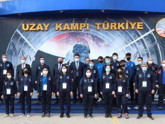 อาสาสมัครเยาวชนของAFAD'ınเยี่ยมชมค่ายอวกาศ Turkiyede