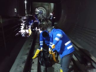 Rail-long cleaning on the Kizilay Necatibey line of the ankara metro
