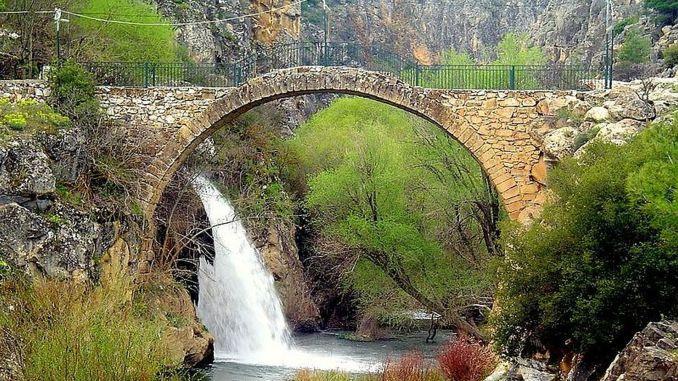 Wo ist die Clandras-Brücke?